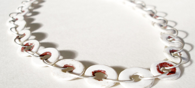 LACUNA necklace in silver and enamel