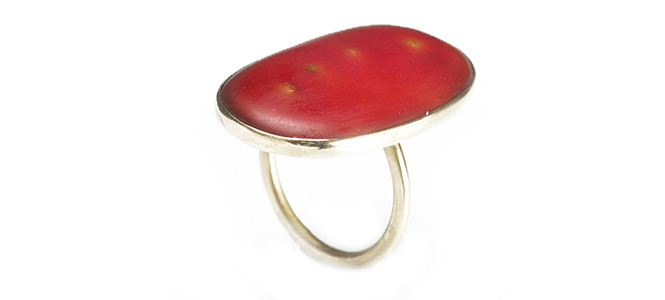 PYR ring in gold and enamel