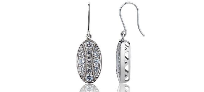 QUEEN HERA 18ct WG & diamond hook earings