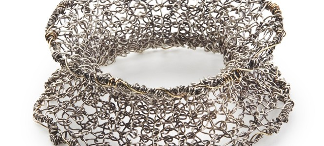 CUFF knitted in fine silver wire and 9ct gold